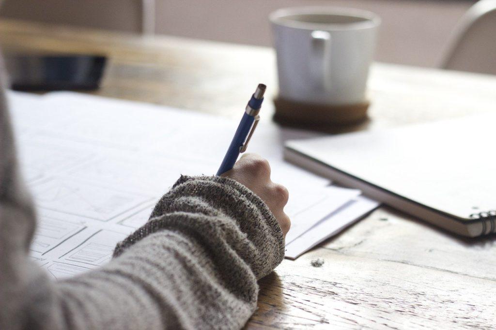 作業療法士の転職の時に志望動機や履歴書はどうやって書く